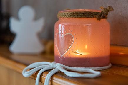 Kerzenlicht in Oma Minnas
